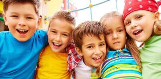 Czy warto podjąć się opieki nad cudzym dzieckiem